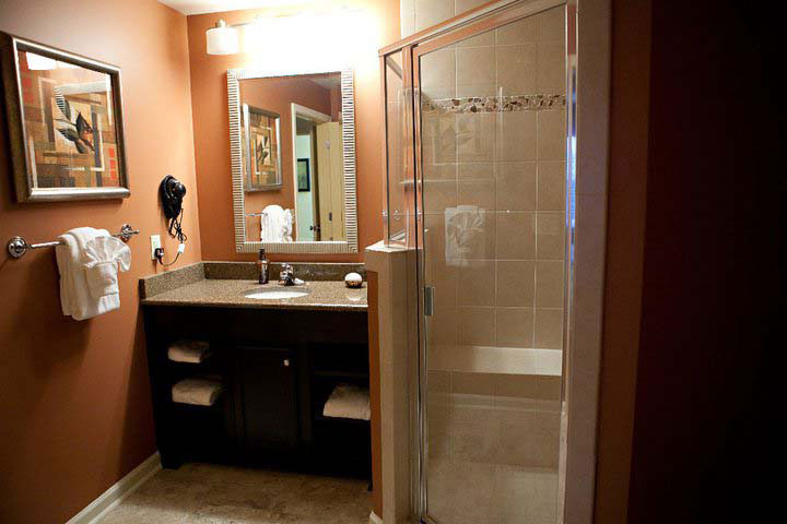 guest suite master bathroom with walk in shower, The Colonies at Williamsburg