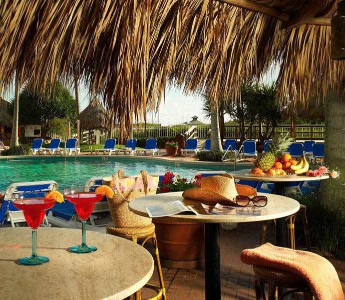 poolside tiki bar with full bar open to guests, Palm Beach Shores Resort and Vacation Villas