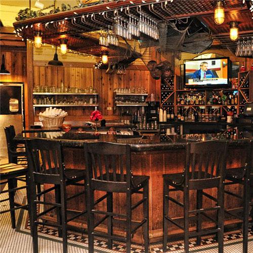 The Islander restaurant bar area, Palm Beach Shores Resort and Vacation Villas