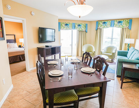 guest suite living and dining area in A Suite, Vacation Village at Parkway
