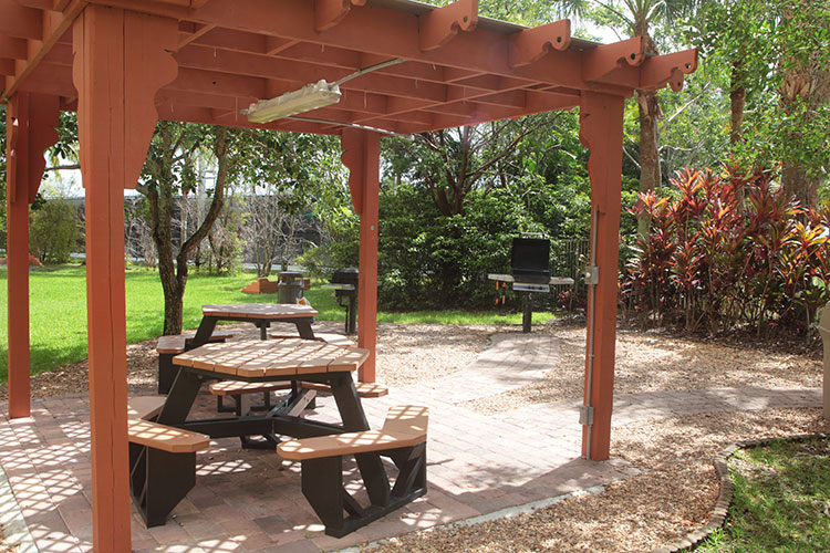 outdoor barbeque grills and picnic area, Vacation Village at Weston