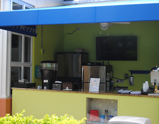 poolside smoothie bar, Vacation Village at Weston